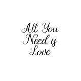 Tout que vous avez besoin est amour Calligraphie pour des cartes, épousant des invitations Photos stock