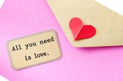 Tout que vous avez besoin est amour Lettre d'amour Photo libre de droits