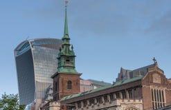 Tout sanctifie par la tour, Église Anglicane dans la ville de Londres, image libre de droits