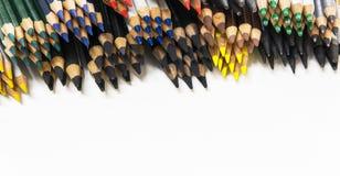Toutes sortes de crayons groupés et affilés Photo libre de droits