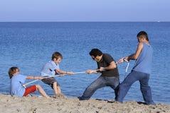 touwtrekwedstrijd Stock Afbeeldingen