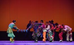 """Touwtrekwedstrijd--De opera """"Little Worriors van Peking van Yeuh's family† Royalty-vrije Stock Afbeeldingen"""