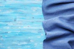 Tovaglia blu su turchese fotografia stock