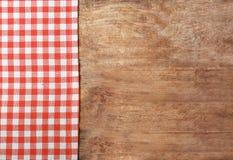 Tovaglia checkered rossa fotografia stock libera da diritti