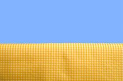 Tovaglia gialla del percalle Immagine Stock Libera da Diritti