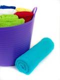 Tovaglioli colorati della stanza da bagno Immagini Stock Libere da Diritti