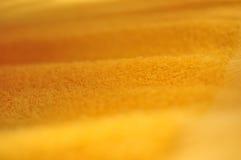 Tovagliolo giallo immagine stock libera da diritti