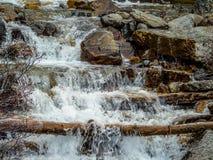 Tovaliten viknedgångar, Jasper National Park, Alberta, Kanada arkivfoton
