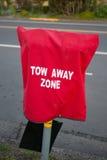 Tow Away Zone Parking Meter huv Arkivfoto