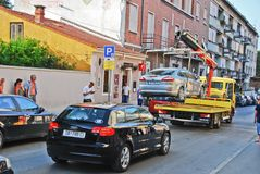 Free Tow Truck Royalty Free Stock Photo - 34880575