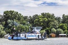 Towboat Na Sava rzece Belgrade, Serbia - Obrazy Royalty Free