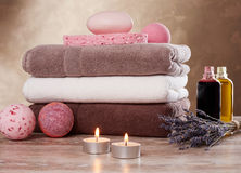 Towels and spa setting Royalty Free Stock Images