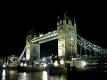 THE TOWER BRIDGE AT NIGHT Stock Image