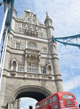 Tower bridge and red bus in london Royalty Free Stock Photos