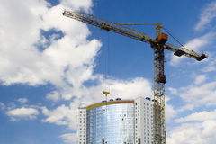 Tower crane and new building Royalty Free Stock Photography