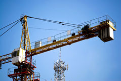 Tower Crane under blue sky Royalty Free Stock Photos
