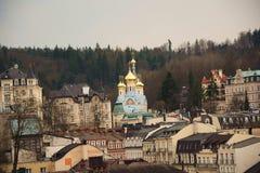 tower den tjeckiska karlovy republiken för staden varierar sikt royaltyfri bild