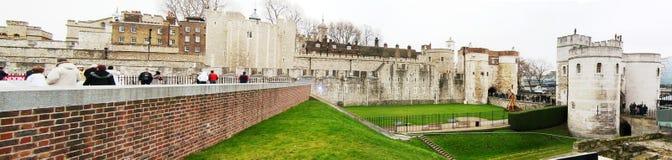 Tower von London - hereinkommend durch das Tor Stockbilder
