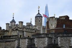 Tower von London Und die Scherbe Lizenzfreie Stockfotos