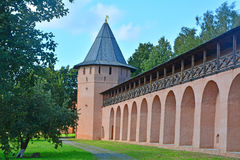 Tower and wide walls of Spaso-Evfimiyevsky monastery in Suzdal, Russia Stock Images