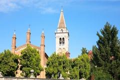 Towers Church dei Santi Nazaro e Celso in Verona Stock Photos