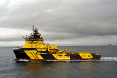 27.12.2014 – Towing of Byford Dolphin. Royalty Free Stock Photography