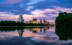 Town湖反射卢霍内夫点奥斯汀得克萨斯都市风景 库存照片