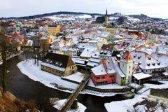 Town av Cesky Krumlov i vinter Arkivbilder