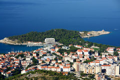 town för croatia makarskaport Royaltyfri Foto