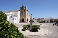 town för domkyrkafaro gammal portugal se Arkivfoto