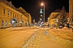 Town i djup snow på jul arkivfoton
