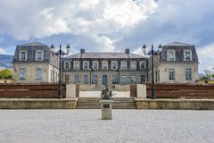 French Baroque Chateau Stock Photo Image Of Driveway