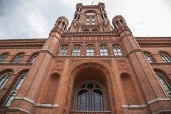 Κόκκινο Townhall Στοκ εικόνες με δικαίωμα ελεύθερης χρήσης