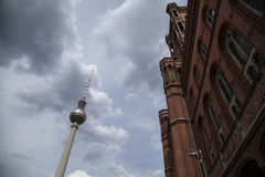 Κόκκινο townhall στο Βερολίνο Στοκ εικόνες με δικαίωμα ελεύθερης χρήσης