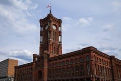 红色townhall在柏林 免版税库存图片