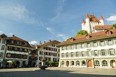 Townhall fyrkant i Thun, Schweiz royaltyfri foto