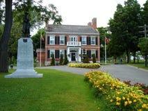 Townhall, Gananoque, Canadá imagem de stock