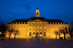 townhall herne Alemanha na noite fotos de stock royalty free