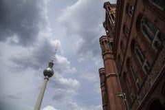 Townhall rosso a Berlino Immagini Stock Libere da Diritti