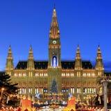 Townhall Wenen met de Markt van Kerstmis, Oostenrijk Royalty-vrije Stock Fotografie