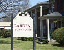 Townhomes και διαμερίσματα στοκ εικόνες