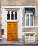 townhouse för dörringångsframdel royaltyfri bild