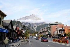 Townscape av Banff, kanadensiska steniga berg, Kanada Royaltyfria Foton