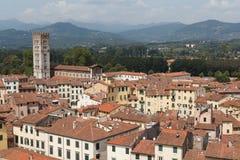 Townscape de Lucca com anfiteatro foto de stock royalty free