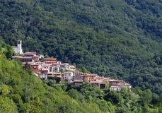 Townscape del ² di TopolÃ, o Topolove lo sloveno, un villaggio piacevole fra le foreste di Julian Alps sulla frontiera fra l'Ital Fotografia Stock Libera da Diritti