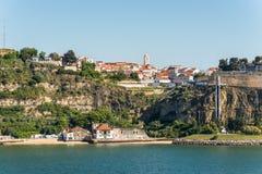 Townscape di Cacilhas, Portogallo Immagine Stock