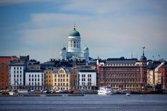 Townscape van finse capitol Helsinki bij Oostzee Royalty-vrije Stock Afbeeldingen