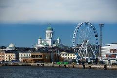 Townscape van finse capitol Helsinki bij Oostzee Stock Foto's