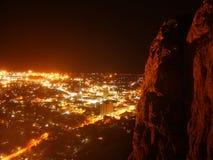 Townsville bij nacht stock afbeelding