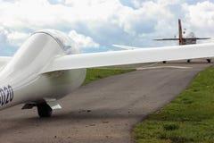 towplane avec commencer de planeur Photos stock